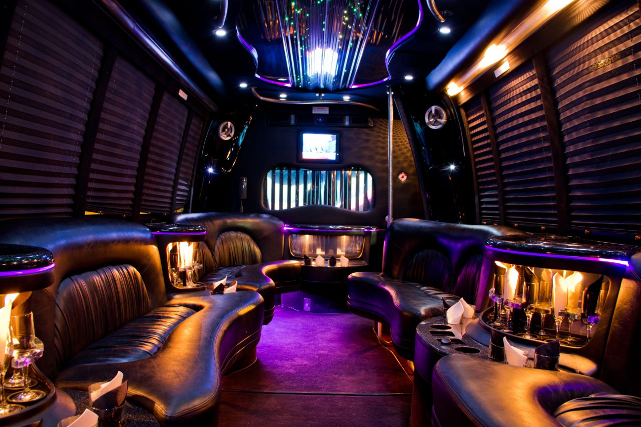 Stretch Limo Bus Black1